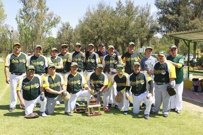 Buena participación se vio por parte de los jugadores de la Liga del Campestre en la ceremonia de inauguración.