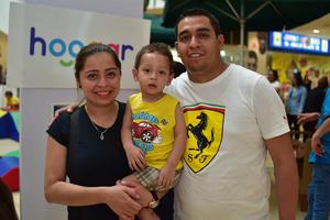 26032018 Cynthia, Lázaro y Santiago.