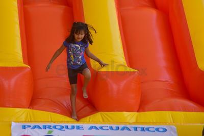 Desde ayer está abierto al público el Parque Acuático, en el parque La Esperanza.