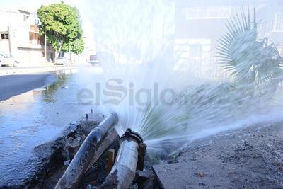 Juan Manuel Hernández, inspector de tubos rotos de Simas, dependiente del área técnica a cargo de Raymundo Rodriguez, declaró que a las 9 de la mañana salen las cuadrillas de agua potable y las de aguas negras a las 8 de la mañana.