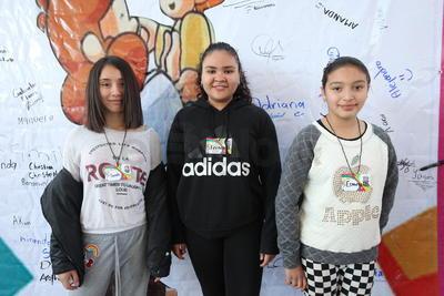 Sarah, Fernanda y Esmeralda.