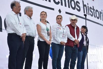 López Obrador, señaló que daba su apoyo a Marina Vitela Rodríguez.