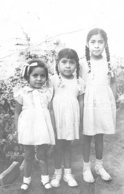 01042018 Carmen, Rosa y Concha Jacobo, hace décadas.