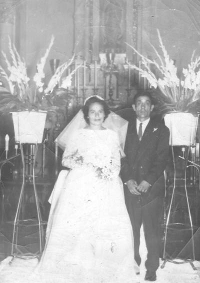 01042018 Boda de Juana López Galicia y Manuel Frausto Veyna (f) en la Catedral de Gómez Palacio en 1958.