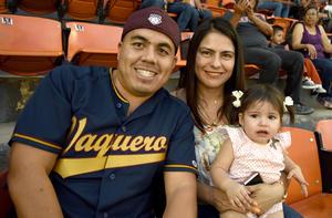 03042018 Joaquín Ávalos Soto, Ana Cristina Ávalos Serrano y Carmen Serrano.