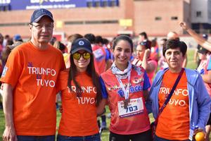 04042018 Santiago, Cristy, Arlette y Cristina.