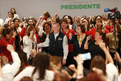 La coalición Todos por México (PRI, PVEM y Panal).
