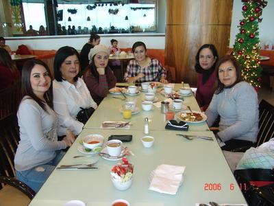 05042018 Lupita, Mónica, Ana, Vivi, Aracely y Ana Lucía.