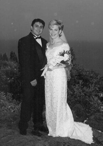 08042018Fernando y Monika Garay el 11 de abril de 1998. Los padres de la pareja son Bernie e Hilde, Ángel y Herlinda.