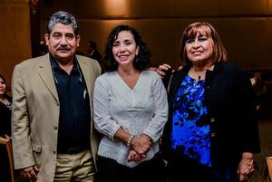 08042018 EN RECIENTE EVENTO.  José Luis López, Ofelia Martínez Madera e Irma Meraz.