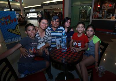 Familia Reyes Martínez.