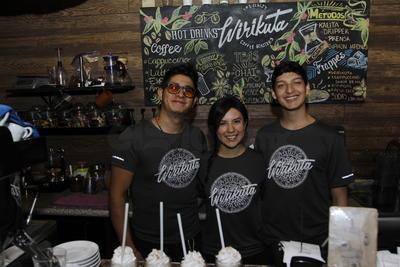 Omar, Renato y Valeria.