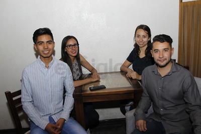 Alonso, Karen, Cecilia y Carlos.