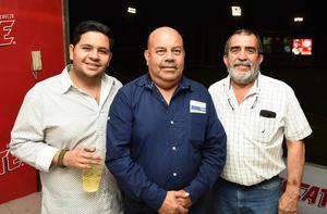 11042018 EN EL BEIS.  Jesús Vázquez, Carlos Gómez y Edgardo Ayup.