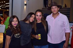 11042018 Paulina, Leslie, Ana Paula y Pablo.