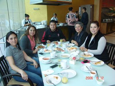 12042018 Lina, Sandra, Luis, Luz María y Lucero.