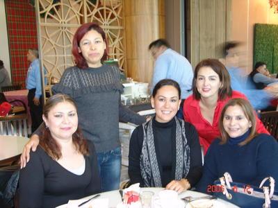 12042018 Doris, Angélica, Luvianka, Brenda y Mary.