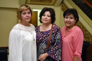 12042018 EN EL TEATRO.  Luz María, Irma y Cecilia.