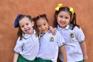 13042018 Macarena, Isabella y Paula.