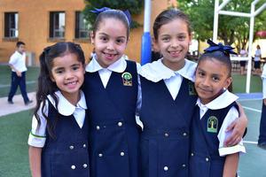 13042018 Vania, Paola y Camila.