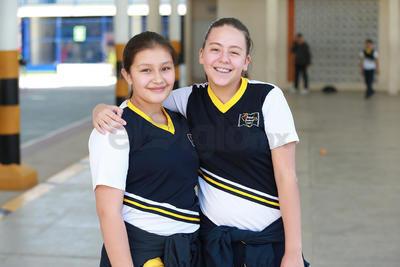 Daniela y Vale.