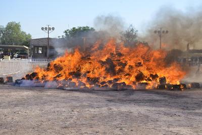 Dijo el gobernador que es la segunda incineración de este tipo que se realiza durante su gobierno, y constituye una de las líneas claras y firmes definidas dentro de la estrategia para bajar los índices delictivos en el Estado.