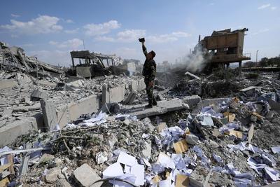 """El Departamento de Defensa de Estados Unidos aseguró hoy que durante su ataque del viernes contra Siria alcanzó todos sus objetivos """"con éxito"""" y destacó que """"ninguna"""" de las naves o misiles de la coalición formada por Estados Unidos, Francia y Reino Unido fue interceptado por las Fuerzas de Bachar Al Asad."""
