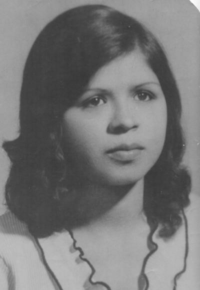 15042018 María del Rosario Acosta a los 18 años de edad. Actualmente, celebra 60 años de vida.