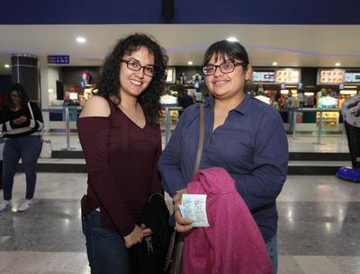 Alejandra  y Paloma.