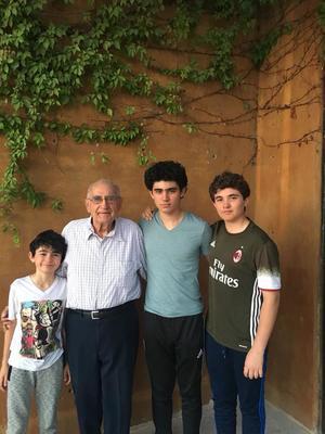 15042018 EN FAMILIA.  José Madero Acuña con sus nietos: José Pablo, Juan Ignacio y Andrés Madero Gutiérrez.