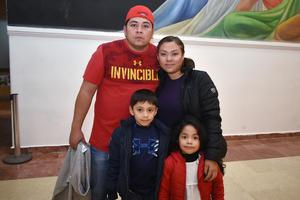 16042018 EN EL TEATRO.  Gabriel, Yolima, Leonardo y Lena.