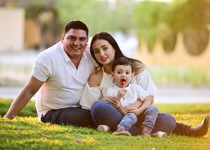 Jose Maria y Paola con su hijo  Jose Maria Jr