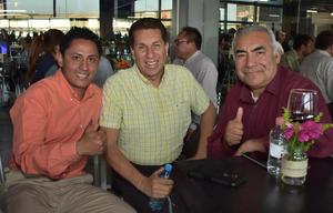Cesar Juarez Angel Sánchez y Antonio Gallegos