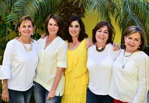 Olga  Gaby  Monica  Leticia y Laura