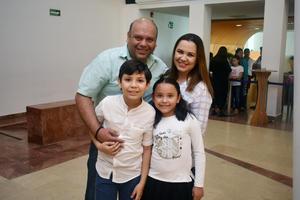 21042018 OBRA DE TEATRO.  Toño, Leydi, Toño y Luciana.
