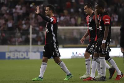 Márquez salió un par de minutos antes de terminar el encuentro y fue despedido con una estruendosa ovación.