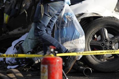 Al llegar los elementos de socorro y corporaciones policiacas confirmaron que cuatro personas ya no estaban vivas.