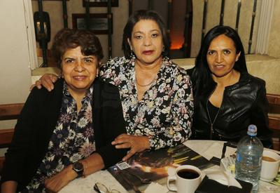 Eliza Romo, Betty Echeverría y Mónica Vázquez.