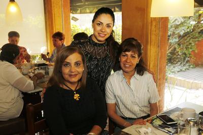 Vero Amaya, Lupita Salas y Cecilia Contreras.