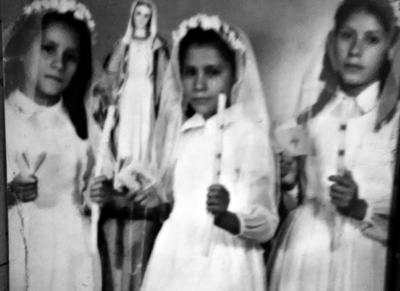 22042018 Hnas. Margarita, Rita y Ma. de los Ángeles Martínez Torres, en su Primera Comunión en el año 1951 en Luján, Dgo. Madrina, Consuelo O. de Quintana.