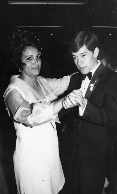 22042018 Rosa María Sánchez y Javier Verdeja en 1970.
