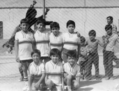 """22042018 Equipo de Futbol """" Guadalajara"""" niños Juan, Josué, Gustavo, Antonio, Israel, Ernesto y Tony en 1982."""