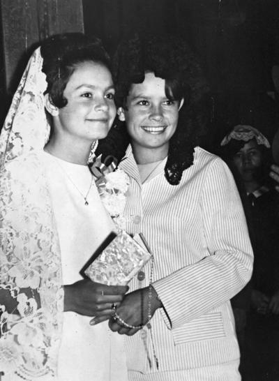 22042018 Cecilia y Olivia Mora Garza en 1968.