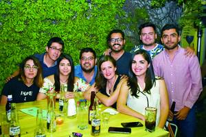 22042018 EN FAMILIA.  Talia, Paola, Valeria, María José y Karla.