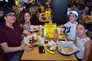 23042018 María, Beto, Roy y Valeria.