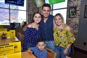 23042018 Martha, Mía, Ramiro y Diego Guajardo.