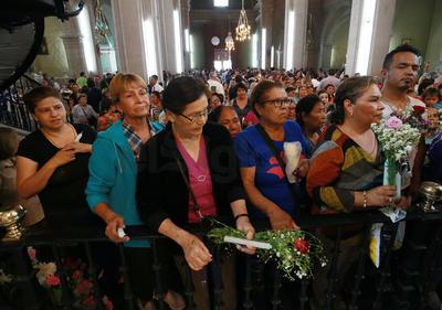 Cada 23 de abril la Basílica Menor recibe a cientos de habitantes que acuden al altar para adorar a San Jorge.