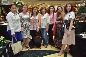 24042018 PARTICIPAN EN EVENTO FLORAL.  Irma, Maribel, Cristy, Rosy, Carmen, Sandra y Elena, estuvieron en la conferencia y taller Perfume.