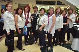 25042018 EVENTO DE JARDINERÍA.  Jardineras fueron juezas en reciente concurso de arte floral.