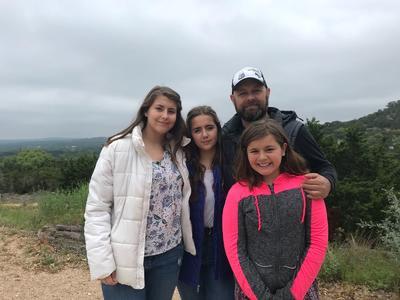 26042018 Isabella, Paolina, Rodolfo y Mack, en Austin, Texas.